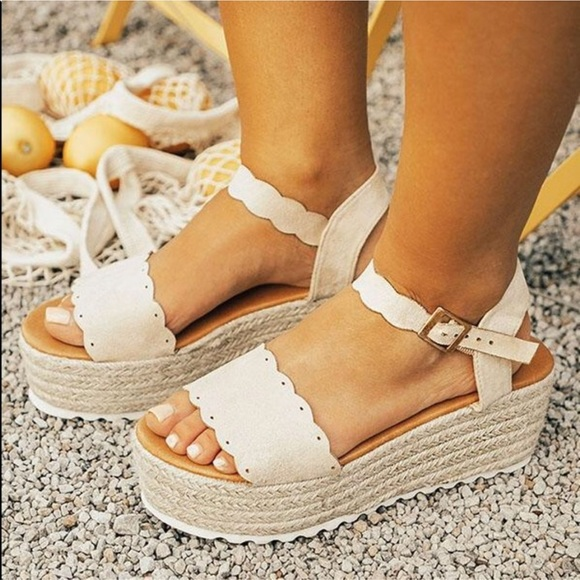 7e0fee4cd86 Scalloped wedge espadrilles platform sandal